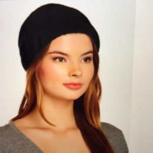 free Press Textured Fuzzy Beanie Black NWT